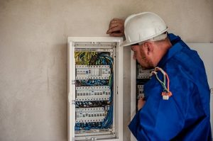 Hourly Rate of an Electrician in the UK?