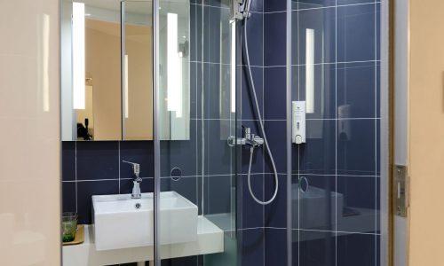 compare bathrooms tadesmen